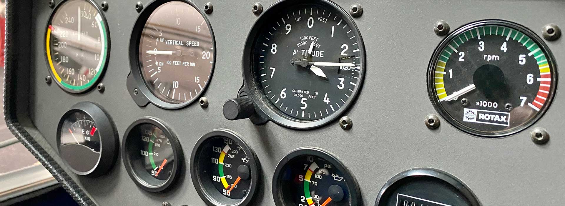 Instruments de vol et moteur